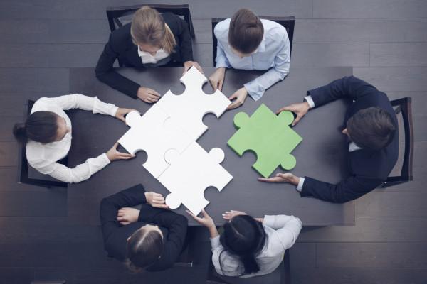 بناء فريق العمل